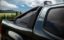 Cars wallpapers Chevrolet Colorado ZR2 Midnight Crew Cab - 2018