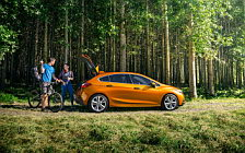 Cars wallpapers Chevrolet Cruze Premier RS Hatchback - 2017